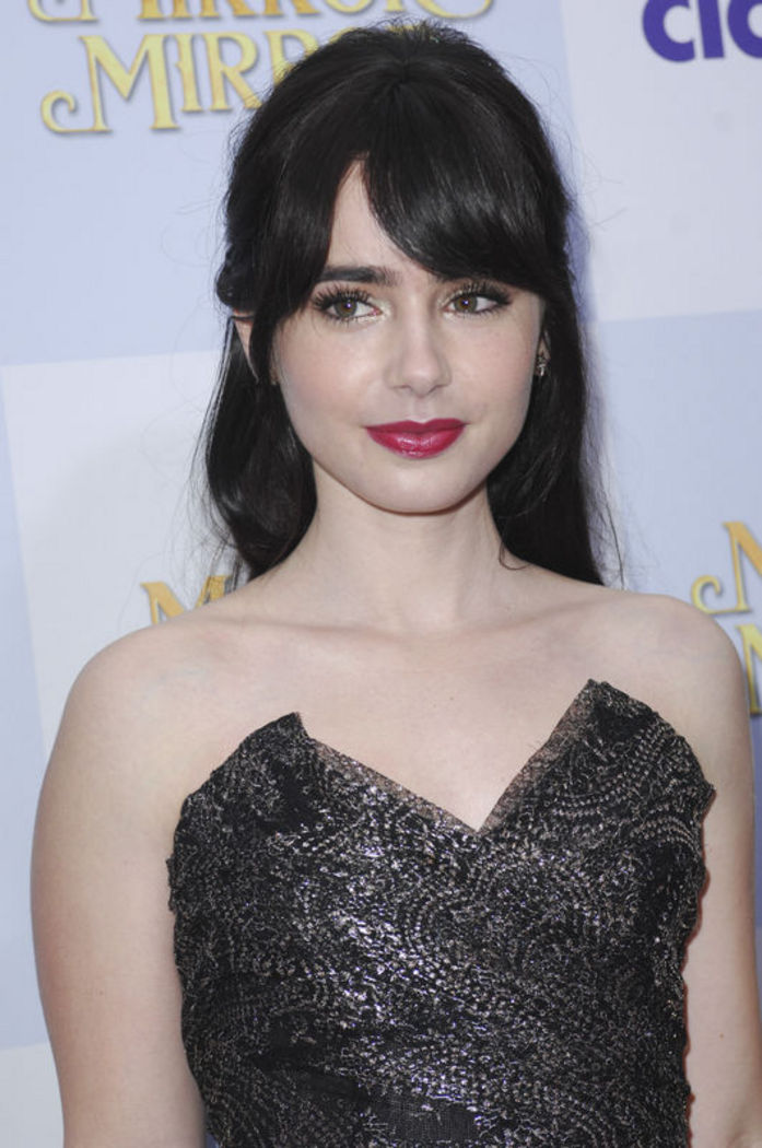 Lily Collins\n