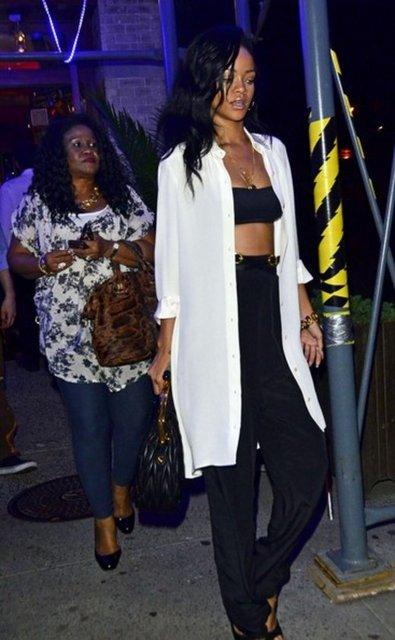 Rihanna'nın şok fotoğrafları