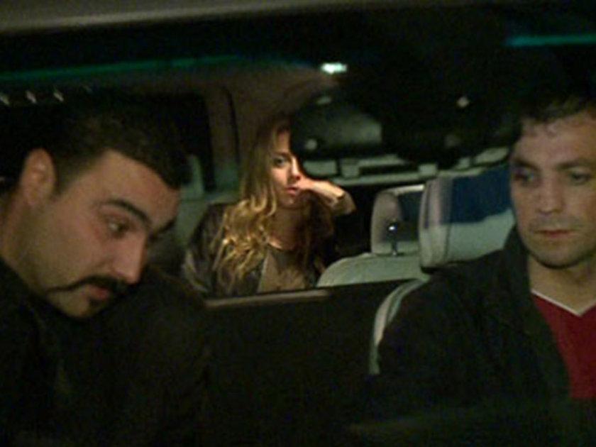 Super StarLife'ın haberine göre; Kobal, Okan Turan'la Arda Turan'ın ortağı olduğu mekanda yemek yedi.