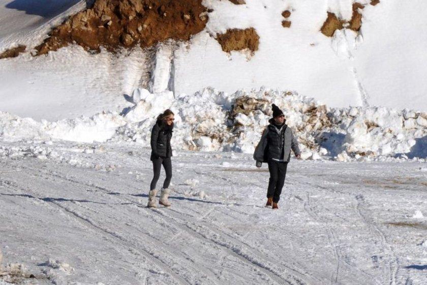 Milliyet'in haberine göre, beş yıllık ilişkilerini evlenmek üzereyken bitiren ikiliden Turan \