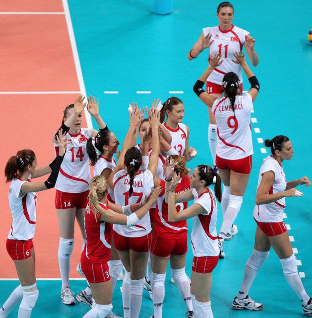 Sultanlar 3. Maçında Sırbistan'ı devirdi!