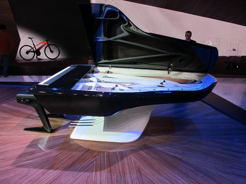 En ilginç sunumlardan birini Peugeot markası gerçekleştirdi. Peugeot tasarım merkezinde geliştirilen bir piyano, sanayiciliği karabiber değirmeni üreterek başlayan Peugeot markasının tasarım yeteneğini sergilemesi açısından ilginçti.