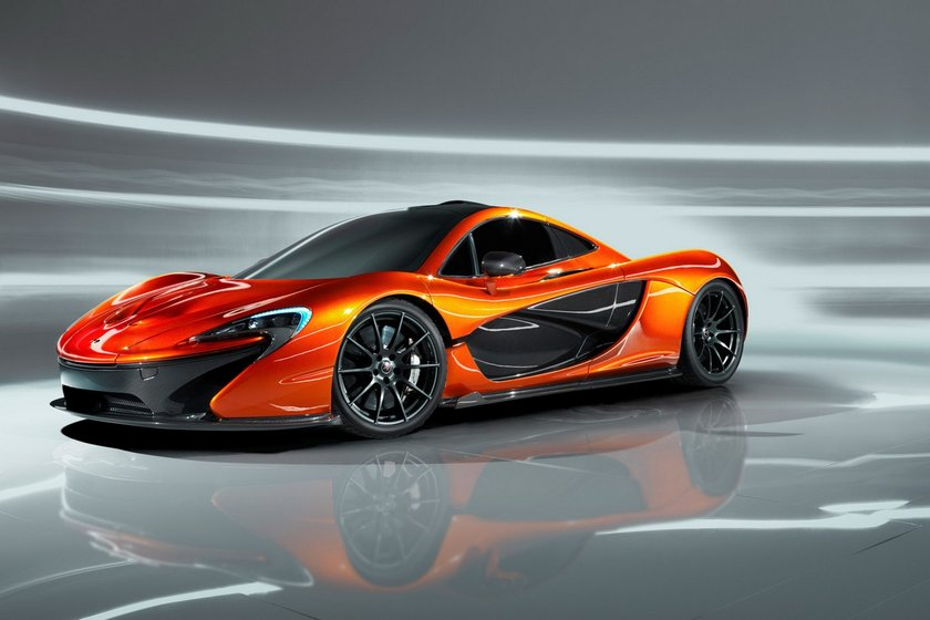 McLaren F1 tüm rekorları kıracak:\n\nMerakla beklenen yeni McLaren F1'in tanıtımı yapıldı. Gelecek sene seri üretimine başlanacak olan aracın 3.8 litrelik motoru toplam 800 beygir gücü üretecek. Aracın sıfırdan saatte 100 kilometre hız konusunda rekor kıracağı belirtiliyor.