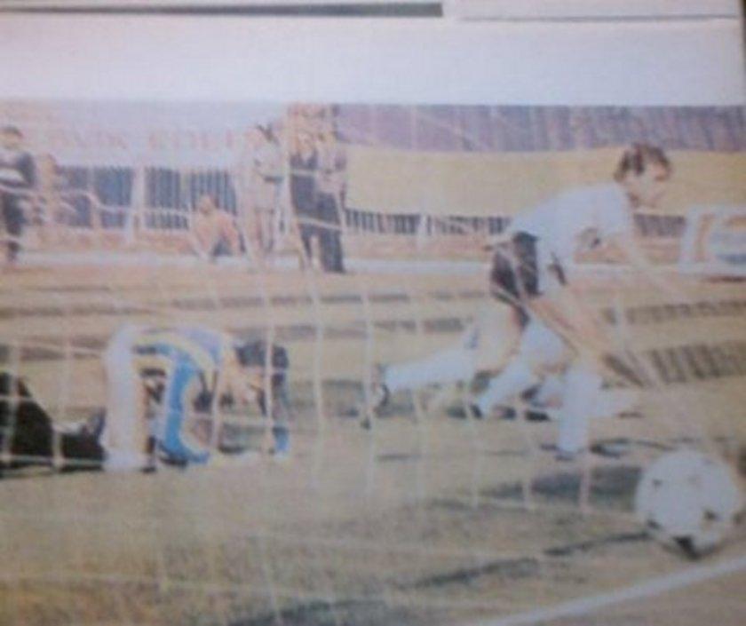 Siyah-beyazlılar ayrıca, 16 Mayıs 1987 ve 21 Kasım 1987'deki lig maçlarında ezeli rakibini 4-0'lık skorlarla yendi.