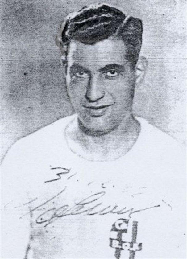 Fenerbahçe'ye karşı 58 kez Beşiktaş forması giyen ''Baba'' lakaplı Hakkı Yeten, 32 kez ezeli rakiplerinin filelerini havalandırdı.