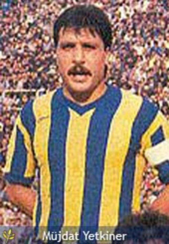 Rıza Çalımbay, siyah-beyazlı formayla Fenerbahçe karşısına 64 kez çıktı. Bu futbolcuyu 61 maçla Beşiktaşlı Şeref Görkey, 59'ar maçla da Beşiktaşlı Ulvi Güveneroğlu ile Fenerbahçeli Müjdat Yetkiner izliyor.