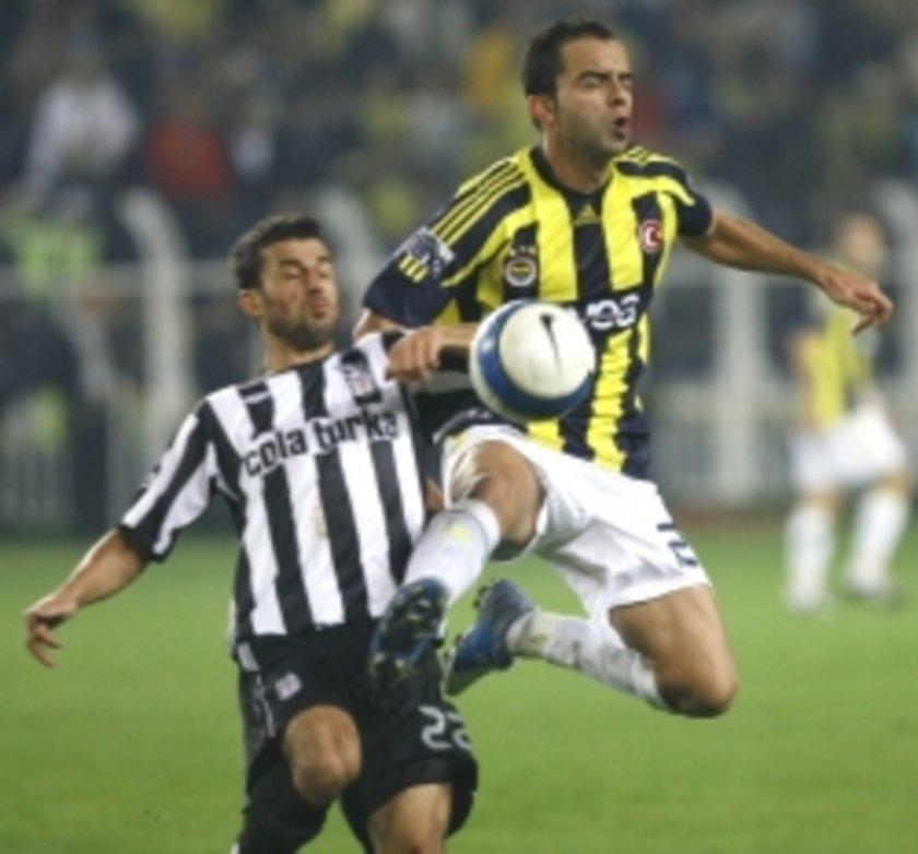(HASRET MAÇLARI) Beşiktaş, Fenerbahçe karşısında üst üste 17, Fenerbahçe ise çeşitli dönemlerde 3 kez 12 maç üst üste galip gelemeyerek, taraftarlarına derbi galibiyeti hasreti çektirdi. Öte yandan Beşiktaş 7, Fenerbahçe ise 6 maç üst üste kazanarak, rakiplerine belirli dönemlerde üstünlük kurdu.