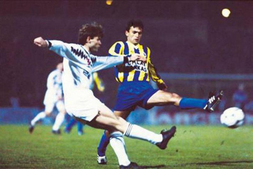 (KENDİ KALESİNE GOL ATANLAR) Fenerbahçe-Beşiktaş maçlarında bazı oyuncular kendi kalelerine gol atma şanssızlığını yaşadı.