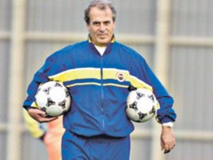 """4-""""Fener'de 6 yabancı skandalı"""" BJK 3-0 FB Mustafa Denizli'nin tarihi bir skandala imza attığı, Fenerbahçe'nin hükmen yenik sayıldığı o unutulmaz maç. 2000 yılında Beşiktaş ile Fenerbahçe'nin İnönü stadındaki lig kaçında maç siyah-beyazlılar 2-0 üstünlüğüyle devam ederken Fenerbahçe'de inanılmaz bir skandal yaşanıyor. Oyuncu değişikliğine giden sarı-kanaryalar sahaya 6 yabancı sürünce herkesin ağzı açık kalıyor. Maçı 3-0 kaybeden Fenerbahçe daha sonra federasyon tarafından yeniden 3-0 hükmen mağlup kabul ediliyor.4-""""Fener'de 6 yabancı skandalı"""" BJK 3-0 FB Mustafa Denizli'nin tarihi bir skandala imza attığı, Fenerbahçe'nin hükmen yenik sayıldığı o unutulmaz maç. 2000 yılında Beşiktaş ile Fenerbahçe'nin İnönü stadındaki lig kaçında maç siyah-beyazlılar 2-0 üstünlüğüyle devam ederken Fenerbahçe'de inanılmaz bir skandal yaşanıyor. Oyuncu değişikliğine giden sarı-kanaryalar sahaya 6 yabancı sürünce herkesin ağzı açık kalıyor. Maçı 3-0 kaybeden Fenerbahçe daha sonra federasyon tarafından yeniden 3-0 hükmen mağlup kabul ediliyor."""