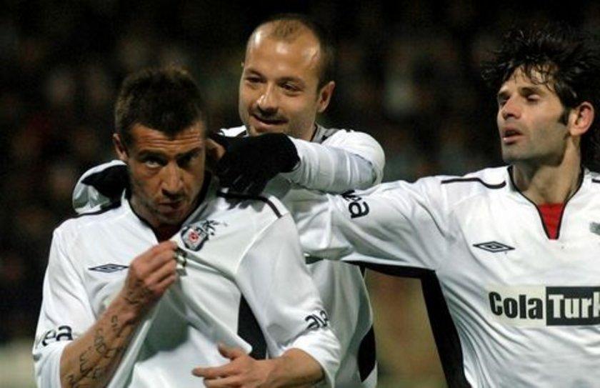 """16-""""İzmir'de Tümer'in gecesi"""" BJK 3-2 FB (3 Mayıs 2006) Fenerbahçe'nin 23 yıllık kupa özlemini daha da alevlendiren maç. 2006 yılının Türkiye Kupası finalinde Siyah-Beyazlılar rakibini 3-2 yenerek kupayı müzesine götürürken, maçın tartışmasız yıldızı 2 gol 1 asistle oynayan ve bir ay sonra Fenerbahçe'ye transfer olacak olan Tümer'di."""