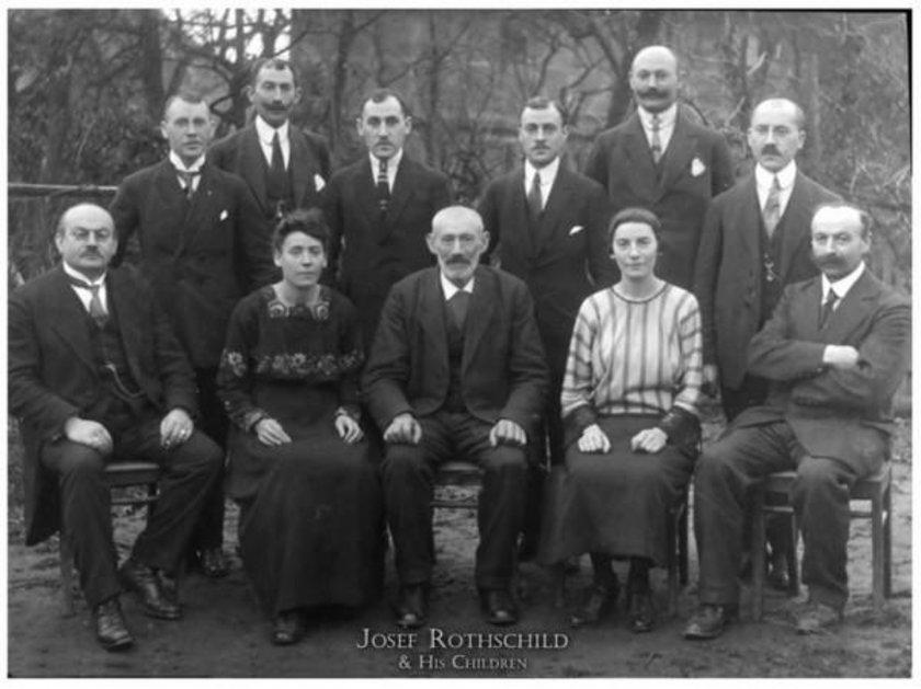 Rothschild ailesi 350 MİLYAR DOLAR \nBankacılık sektörünün yükselişe geçtiği 18 yüzyıl, Alman kökenli Yahudi bir aile olan Rothschildler'in de yükselişine tanık oldu. 19. yüzyıl boyunca Avrupa'nın çeşitli ülkelerinde bankalar kuran aile mensuplarından bazıları İngiltere ve Avusturya'da soyluluk ünvanları kazandılar.