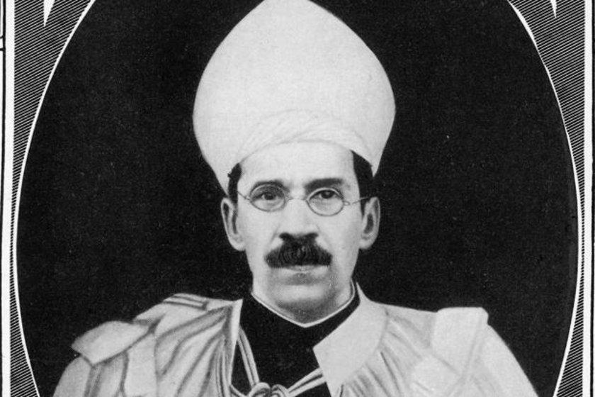 Mir Osman Ali Han (1886-1948) 230 MİLYAR DOLAR \nHaydarabad Krallığı'nın son hükümdarıydı. Ölümünden sonra ülkesi Hindistan ile birleşti. Politik kariyerinden çok, akıl almaz serveti ile tanınıyor.