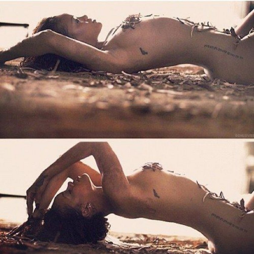 Rihanna naked on island