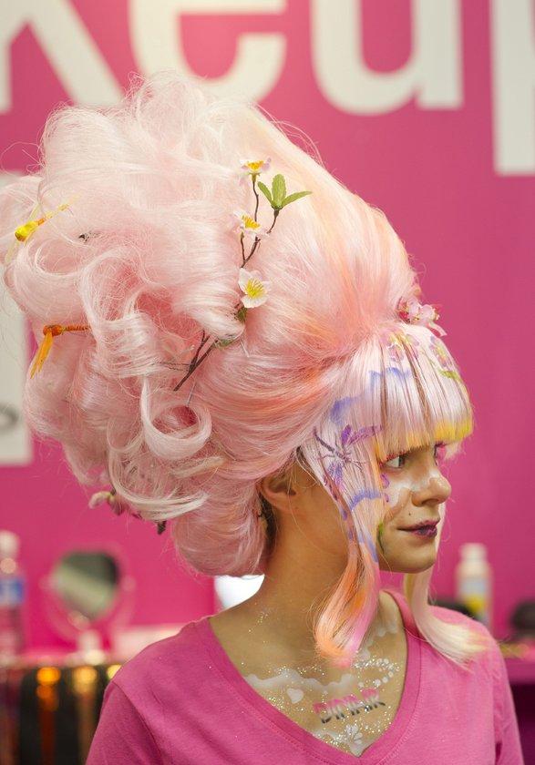 Katılımcıların en çok kullandığı makyaj malzemesi %68 ile rimel olurken bunu %66 ile göz kalemi, %65 ile ruj takip ediyor.