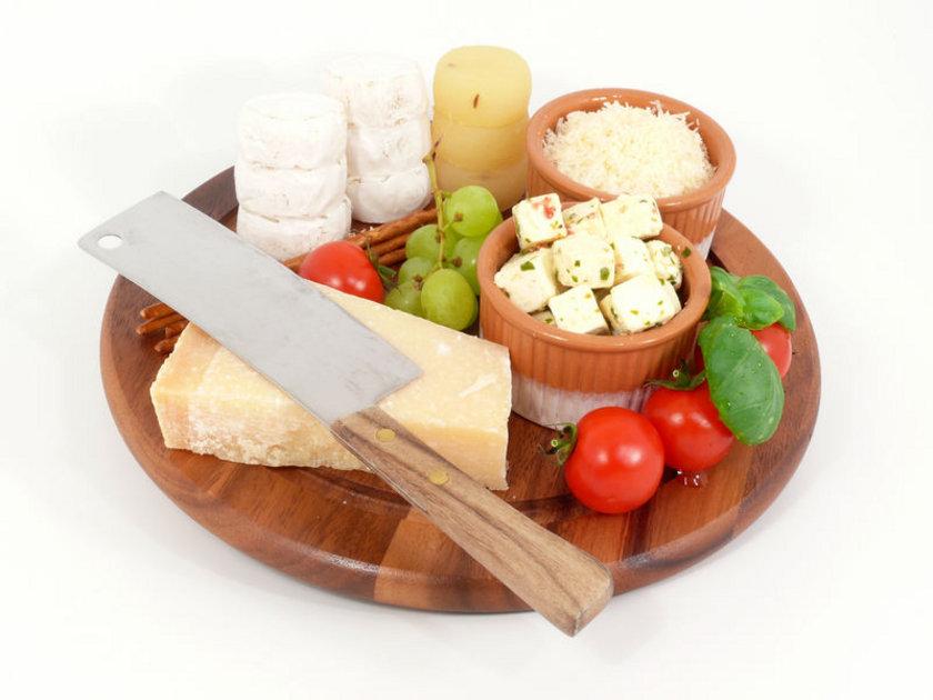 Parmesan peyniri (yağlı) - 100 gr - 440 cal