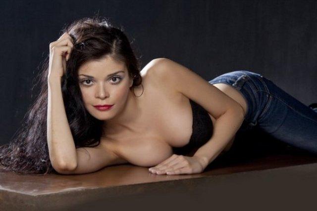Atanamayan Pınar öğretmen, model oldu
