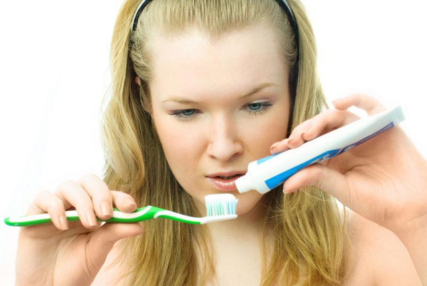 <p>* Kendi diş macununuzu yapın</p>