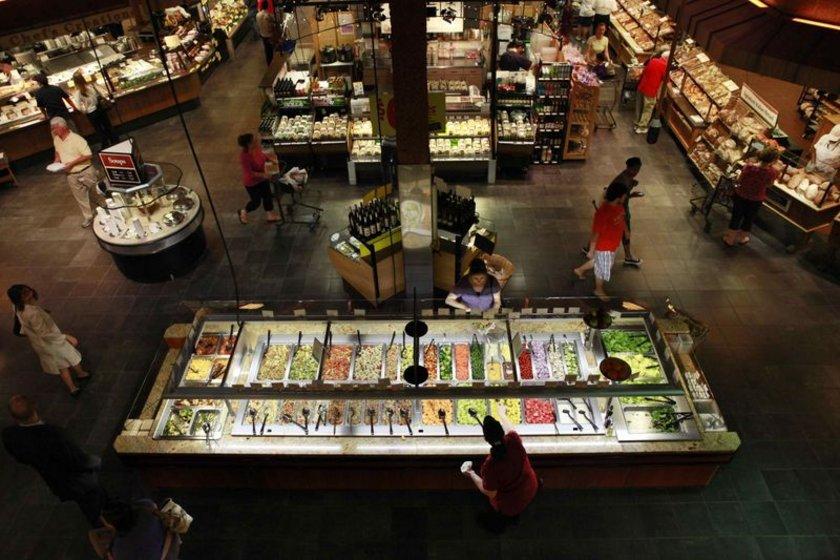 5. Wegmans Food Markets: Gıda marketi zinciri beşinci sıraya yerleşti. Amerika'nın kuzeybatısında yaygın olan marketler zincirinde iade oranı yüzde 3.6'ya düştü. 2011 geliri 6 milyar 335 milyon dolar. Çalışanlarının iyi hizmetlerinden dolayı birbirlerini hediye kartlarla ödüllendiriyor. Çalışanlar işlerinden memnun olup yakınlarının da bu işe girmesini sağlıyor. Çalışanların 5'te 1'i akraba. Ana merkez: Rochester, New York