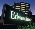 8. Edward Jones: Finansal danışmanlık şirketi sekizinci sırada yer aldı. 11 bin küçük ofisten oluşan şirketin çalışanları bölgesel aktivitelere katılıyor. Balık tutma, buz pateni gibi faaliyetlerle çalışanlarını birbirlerine yakın tutuyor. Cirosu 4 milyar 577 milyon dolar. Ana merkez: St. Louis, Missouri