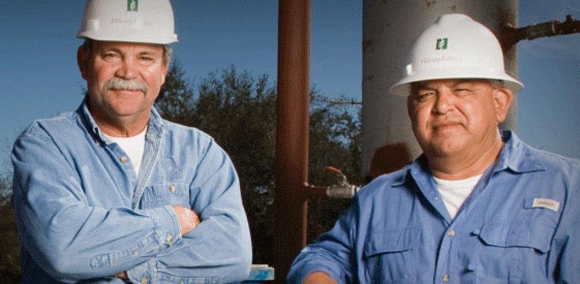7. Hilcorp Energy Company: Akaryakıt ve gaz üreticisinin listeye ilk girişi 7. sıradan oldu. Şirket, çalışanlarına 2010 yılında eğer üretim oranını ve rezervlerini 2015'e kadar ikiye katlarlarsa her birine 100 bin dolarlık çek vereceği sözünü verdi. Beklenenden önce gerçekleşen hedeflerden dolayı 400 çalışana 50 bin dolar verildi. Ana merkez: Houston, Texas