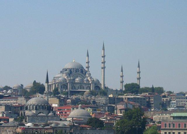 1932 yılında İlk Türkçe hutbe Süleymaniye Camii'nde okundu.