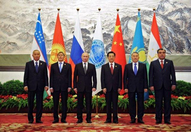 Başbakan Erdoğan'ın değindiği Şanghay İşbirliği Örgütü (Şanghay Beşlisi - SCO) ise özellikle yükselen enerji zengini Asyalı üyeleriyle göze çarpıyor. Örgütün 6 üyesi var: Çin, Rusya, Kazakistan, Kırgızistan, Tacikistan ve Özbekistan