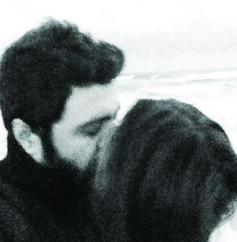Şahin Irmak, sevgilisinde çekilen bu pozunu Twitter'da önce paylaştı sonra sildi..