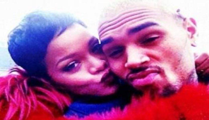 Rihanna kendisine şiddet uyguladığı için ayrıldığı nişanlısın Chris Brown'dan bir türlü kopamadı.