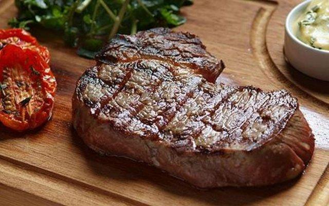 Kırmızı et yönünden ağırlıklı beslenilmesi, yağlardan korkulmaması gerekir.