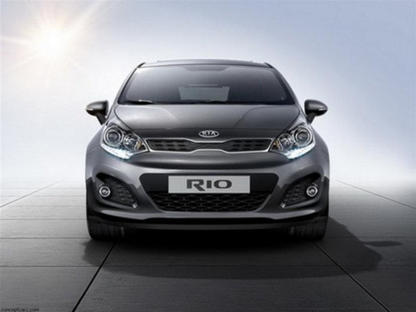 Kia Rio Sedan 1.4 100 Km'de 5.8lt yakıt tüketiyor.