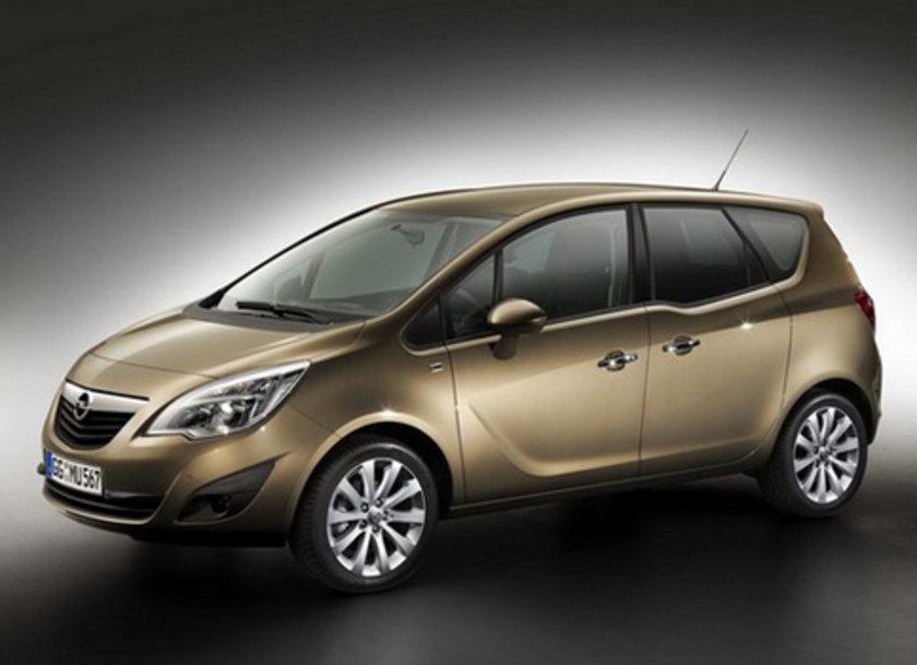 Opel Meriva 1.3 CDTi 100 Km'de 4.5lt yakıt tüketiyor.
