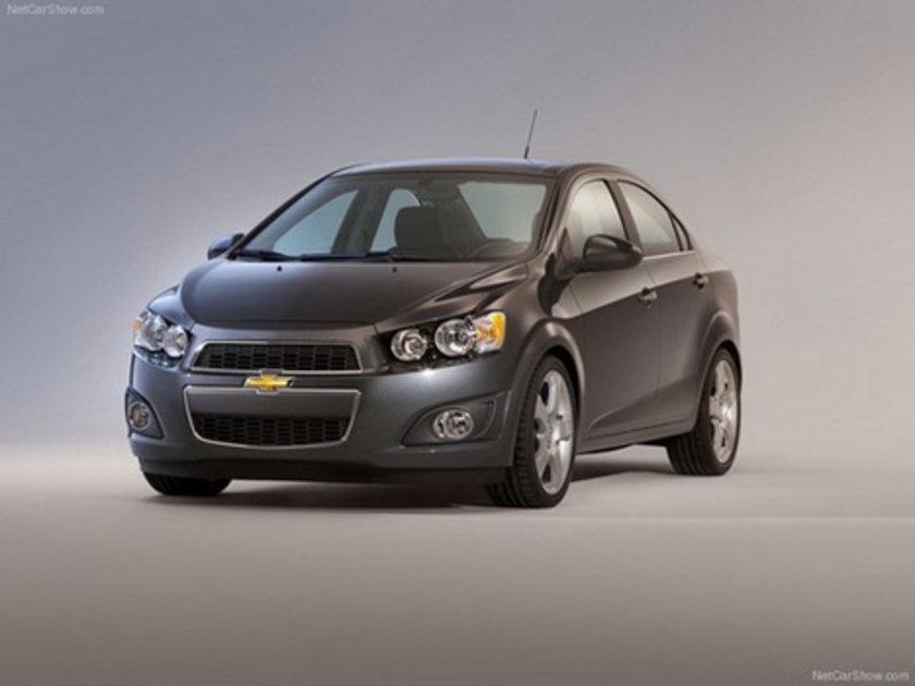 Chevrolet Aveo Sedan 1.2 Otm. 100 Km'de 6.8lt yakıt tüketiyor.