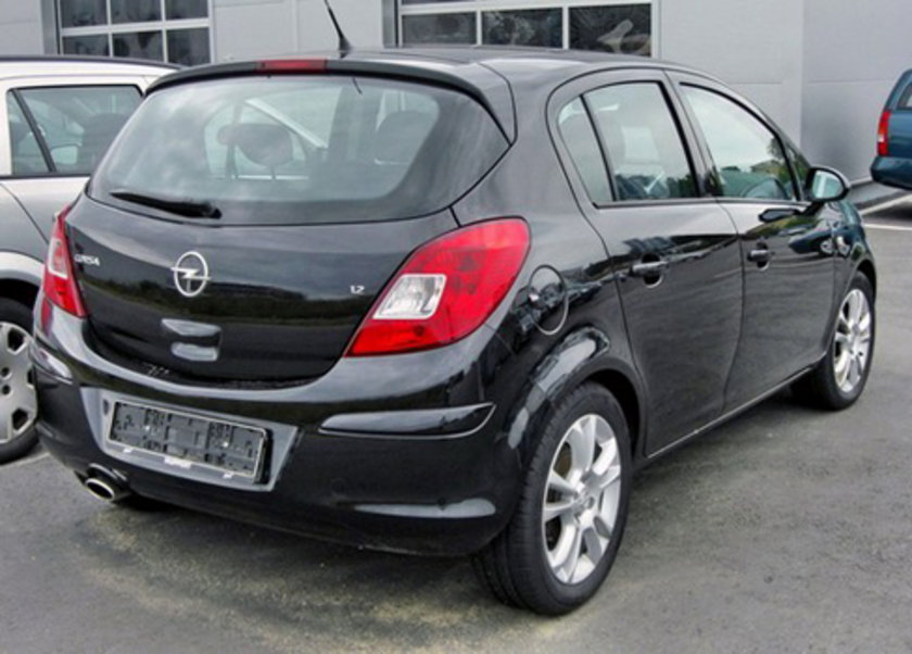 [B Segmenti HB Benzinli Otomatik] Opel Corsa 1.2 EcoFlex 100 Km'de 5.1lt yakıt tüketiyor.