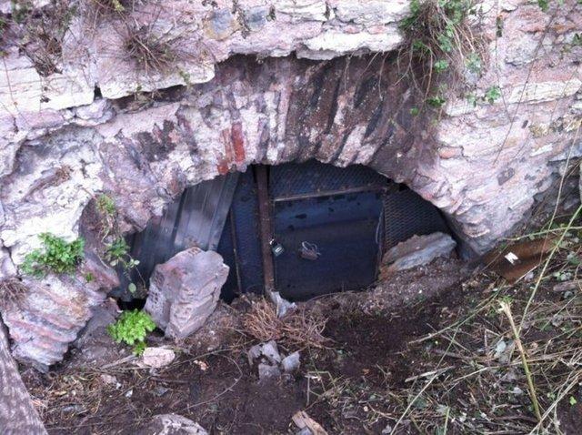 Sierra'nın cesedinin atıldığı İstanbul Cankurtaran surlarındaki dehlizin girişine demir kapı yapıldı.  Kimsenin girmemesi için polis tarafından koruma altında tutulan dehliz, özel hazırlanan bir kapıyla böyle kapatıldı. İŞTE ADIM ADIM SIERRA CİNAYETİ >>>