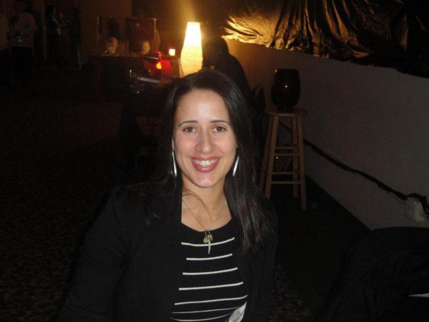 4)\n\nSierra'nın 15 Ocak'ta yurtdışına çıkması üzerine polis yurtdışı bağlantılarını da mercek altına almıştı. Sierra'nın 16 Ocak gününü geçirdiği Hollanda'nın Amsterdam kentinde sürekli fotoğraf paylaştığı Instagram sitesinden tanıştığı Ammer Redurom'un yanında kaldığını belirlendi.