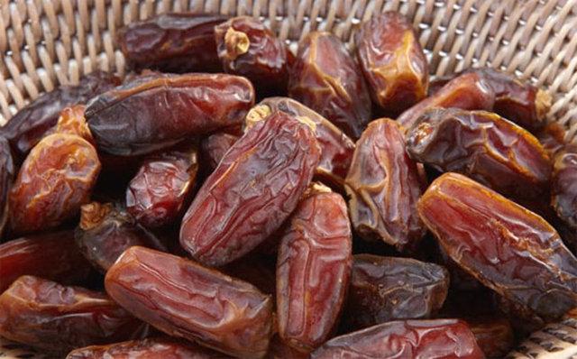 En çok Ramazan ayında tüketilen hurma, bağırsakları daha hızlı hareket ettirerek kilo verilmesini sağlıyor