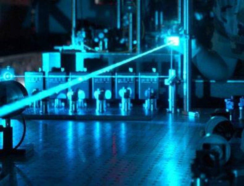 Yüksek Güçlü Lazer Sistemi Projesi'nin bütçesi 120 milyon lira olarak planlanıyor. Bu yılın başında hız kazanan çalışmalarda birinci altı aylık dönem tamamlandı. \nProjede tasarım aşamasına geçildi.
