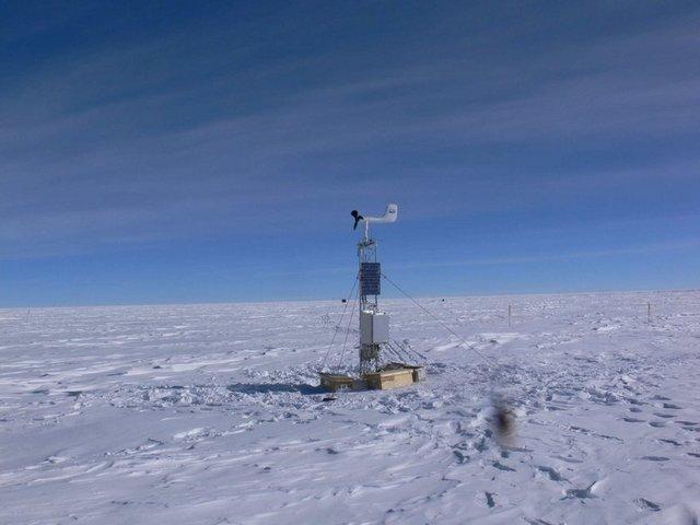 Antartika kıtası üzerinde yer alan yaklaşık 4 bin metre yüksekliğindeki Dome Fuji dağında sıcaklık -91 derece olarak kaydedildi.