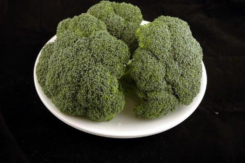 588 gram brokoli = 200 kalori