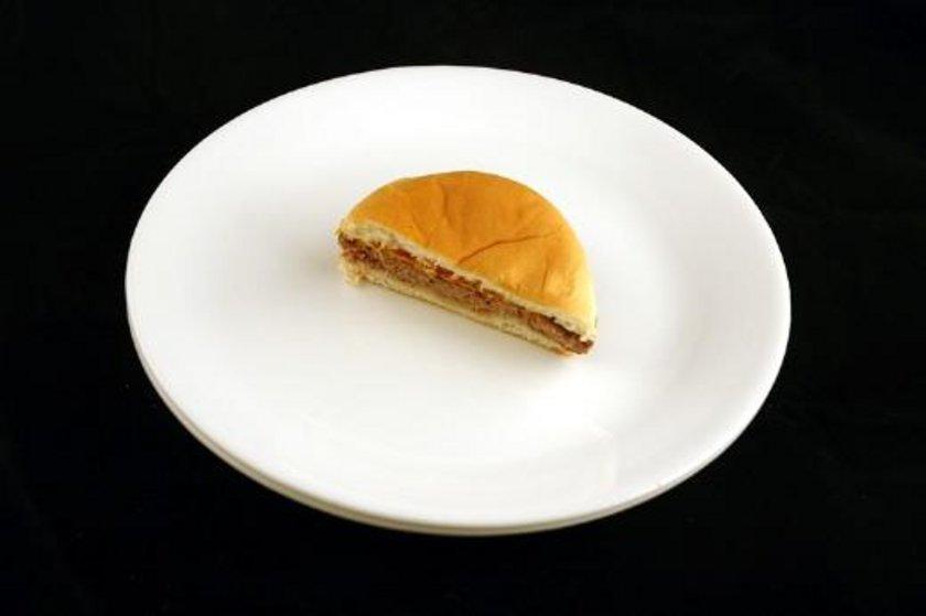 75 gram yani yarım cheeseburger = 200 kalori