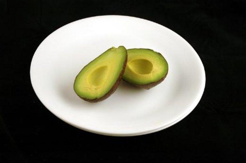 125 gram avokado = 200 kalori