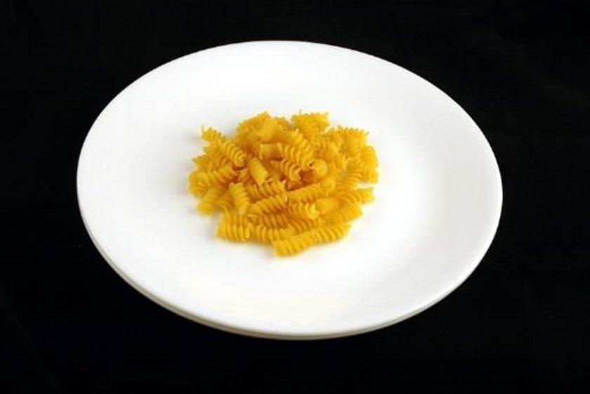 56 gram yağsız çiğ makarna = 200 kalori