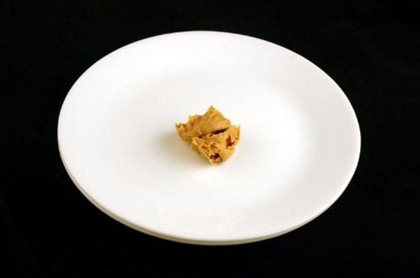 Fıstık ezmesi 34 gram = 200 kalori