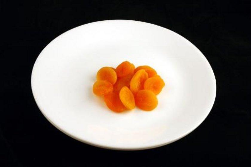 83 gram kuru kayısı = 200 kalori