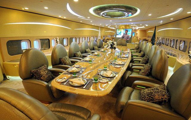 Prens El-Waleed'in Boeing 747 özel jeti