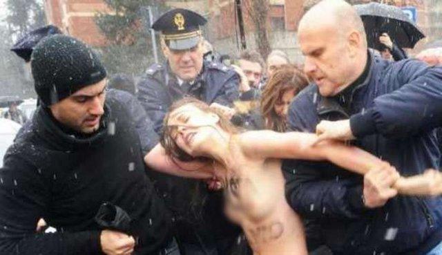 FEMEN İtalya'da sahneye çıktı