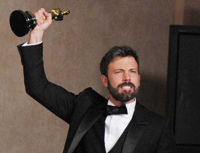 """85. Oscar Ödülleri'nde """"En iyi film"""" ödülü Ben Affleck'in yönetmenliği yaptığı Argo filmine layık görüldü."""