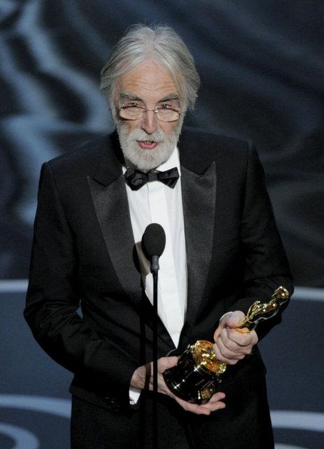 """Michael Haneke'nin yönettiği film Aşk(Amour) """"En iyi Yabancı Film"""" ödülüne layık görüldü."""