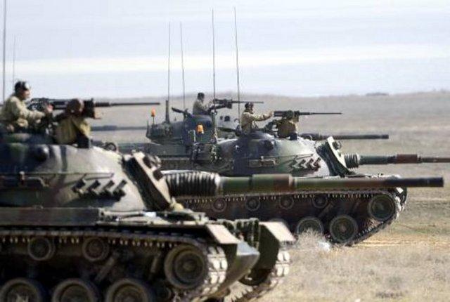 Türk Silahlı Kuvvetleri'nin (TSK) en etkin vurucu gücü tankların manevra ve atış güçlerinin test edildiği Şereflikoçhisar'daki poligon birliğinin kapıları, Anadolu Ajansı'na (AA) açıldı.