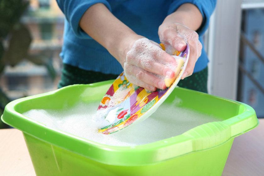 Bulaşık yıkamak - 15 dak - 6 kalori